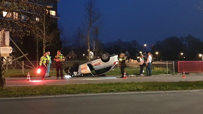 ec0cea8bf9b Auto belandt op de kop in Assen - AssenStad.nl