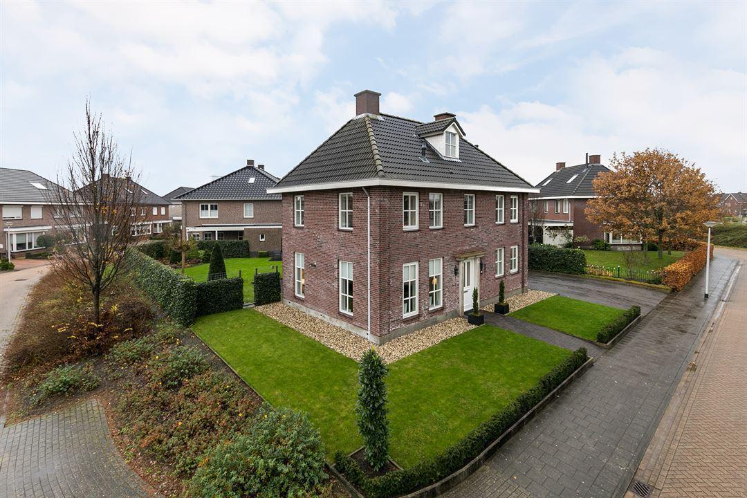 Te koop in assen fraaie notariswoning in jaren 39 30 stijl for Viswater te koop belgie